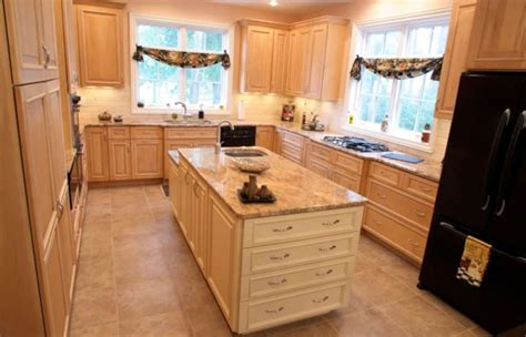 Kitchen Countertops Ta Maple Glazed Kitchen Cabinets Bathroom City Antique