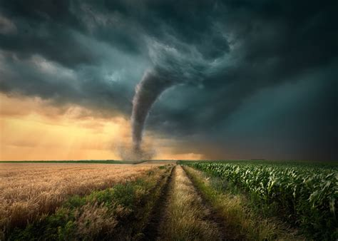 images of tornadoes what causes tornadoes