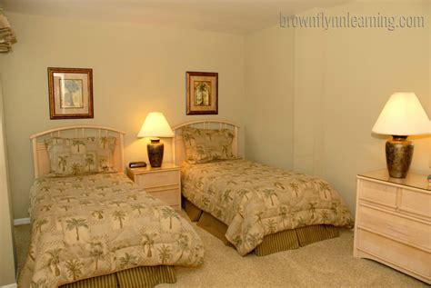 twin bed bedroom decorating ideas twin bedroom decorating ideas
