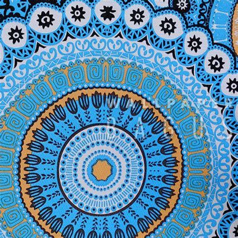 wallpaper biru klasik terapi warna biru dengan wallpaper dinding desain