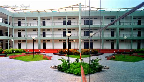 Isb Mba Fee Structure by Get Into Iim Indore S One Year Mba Without Taking The Gmat