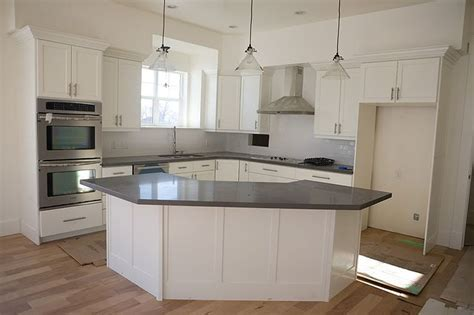 corner kitchen island 25 best ideas about curved kitchen island on pinterest