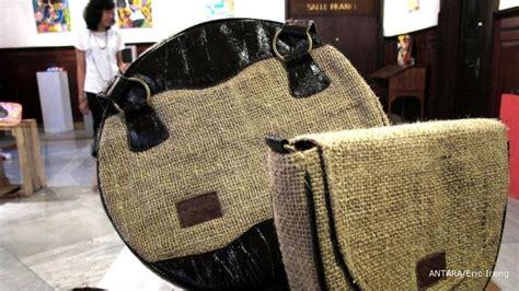 Mesin Jahit Karung Beras Tangan menyulap karung goni menjadi produk bernilai jual