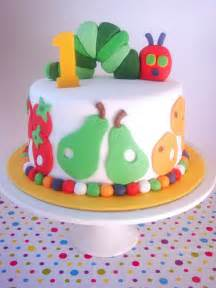 raupe nimmersatt kuchen butter hearts sugar hungry caterpillar cake