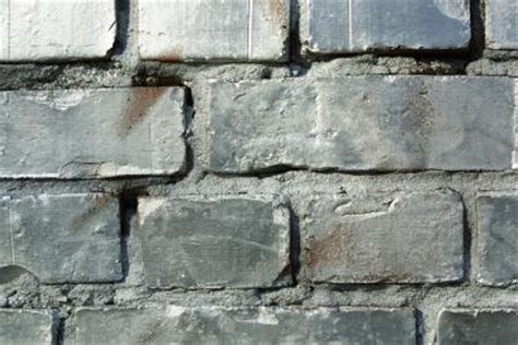 how to fix mortar between bricks in a fireplace home