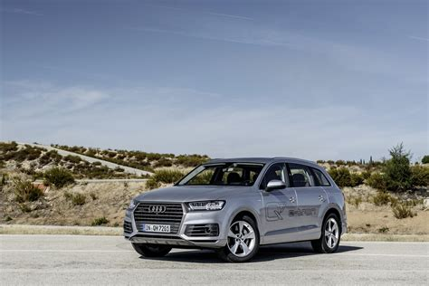audi germany 2016 audi q7 e tron quattro launched in germany 0 to 100