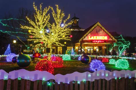 christmas light displays in st louis 12 places to see the best christmas lights in st louis