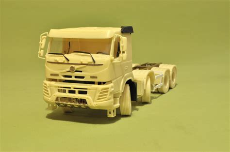 heavy  chassis tandem dual steering axles  model trucks
