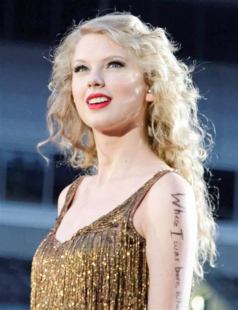 taylor swift wiki wikia file taylor swift speak now tour 2011 4 jpg wikipedia