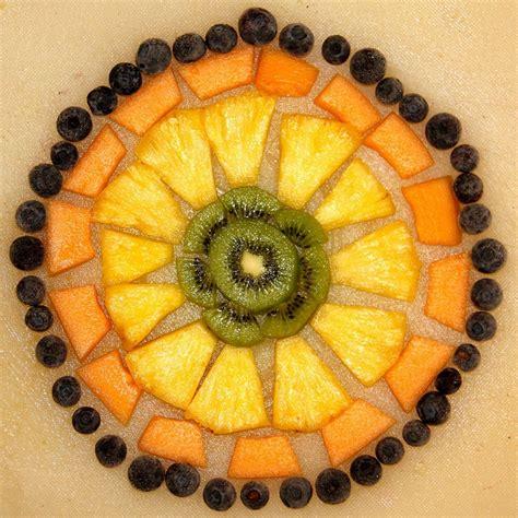 cucinare con bambini bambini in cucina frutta new look