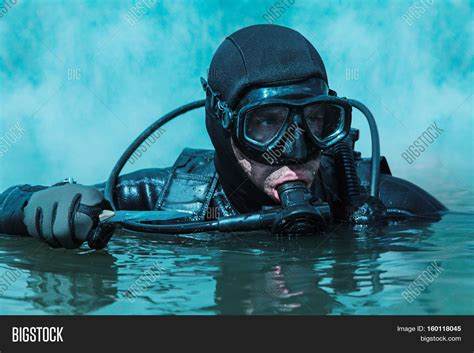 navy seals dive navy seal frogman with complete diving gear and weapons in