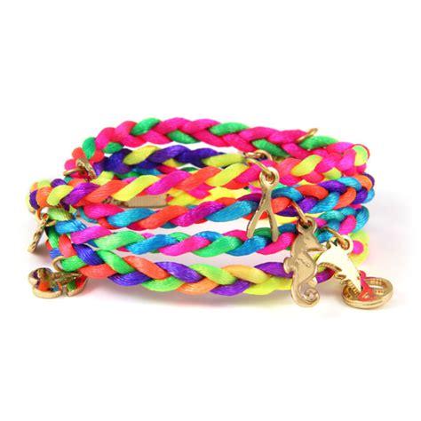 Come realizzare braccialetti colorati   Pensorosa