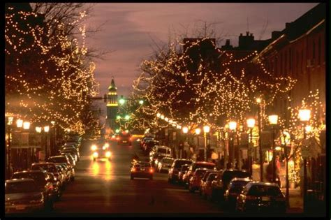 shopping in old town alexandria on small business saturday