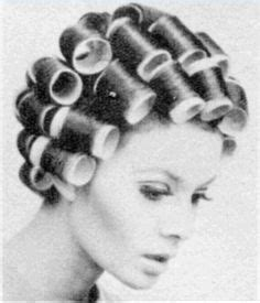 wife gives husband feminine perm and shapes eyebrows montage d une mise en plis women in curlers pinterest