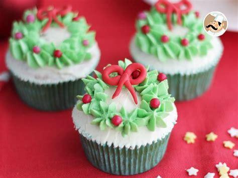 decoracion facil para cupcakes cupcakes decoradas de navidad receta petitchef