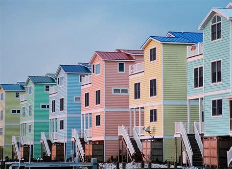 pastel houses in fenwick island delaware pastel