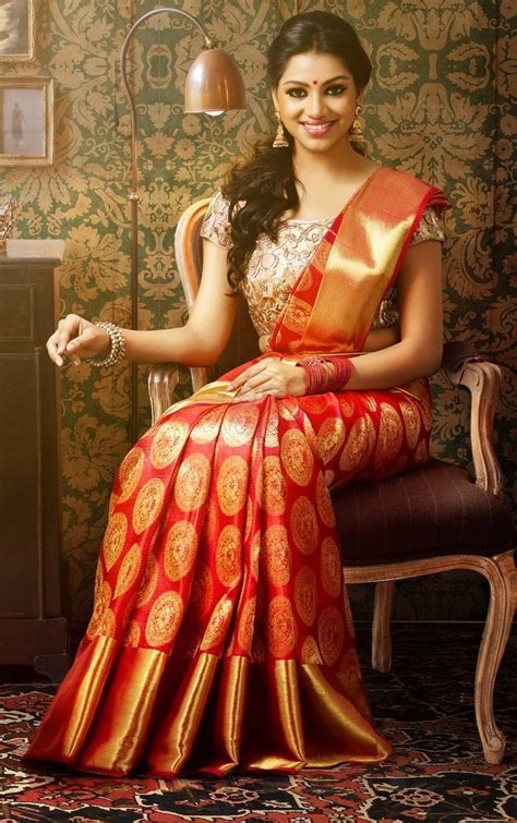 Kerala Wedding Sarees in Different Color Combinations