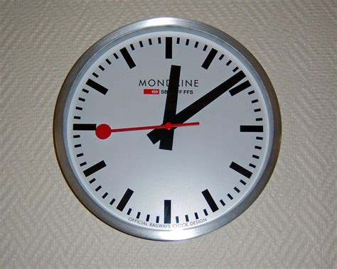 horloge murale suisse pr 233 sentation de la marque horlog 232 re suisse mondaine swiss