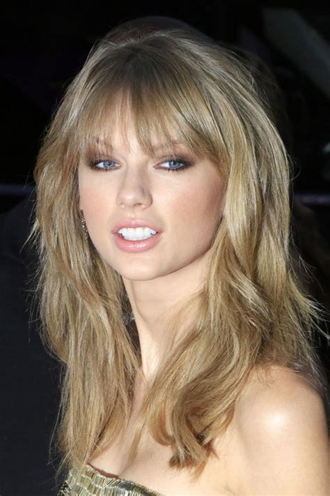 taylor swift dirty ash blonde hair color taylor swift wavy ash blonde choppy bangs choppy layers