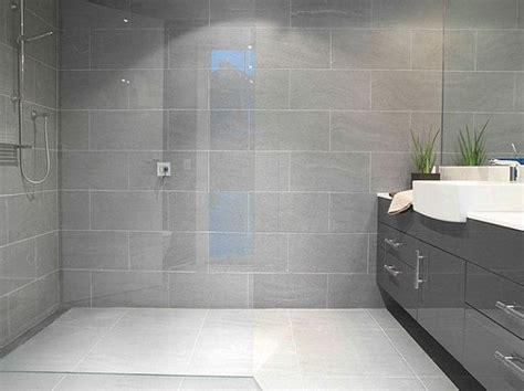 Light Grey Bathroom Wall Tiles 25 Best Ideas About Grey Bathroom Tiles On Pinterest Classic Grey Bathrooms Shower Rooms And