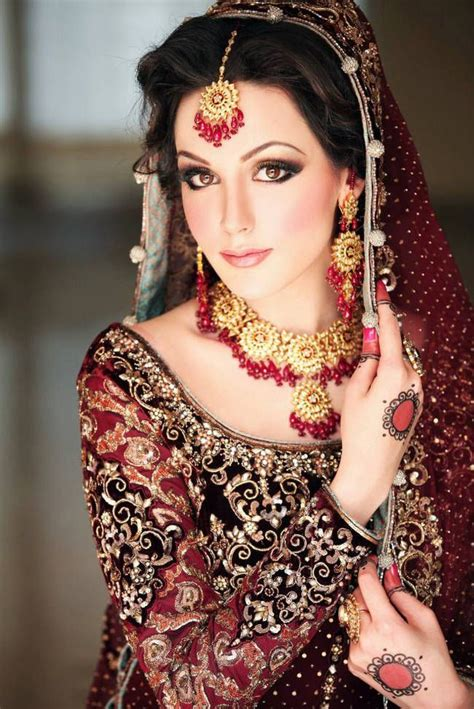 beautiful bridal makeup 30 beautiful pakistani bridal makeup looks style arena