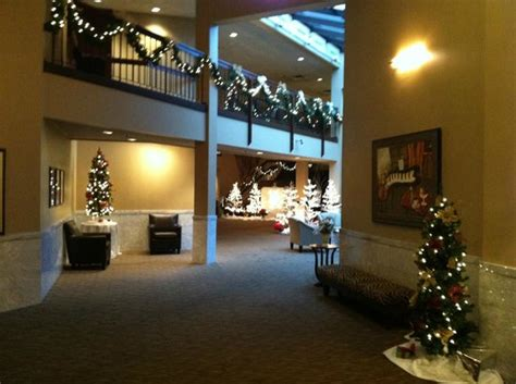 comfort inn orland park lobby decorated for the holiday season picture of