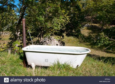how much water fits in a bathtub how much water fits in a bathtub 28 images amazon com