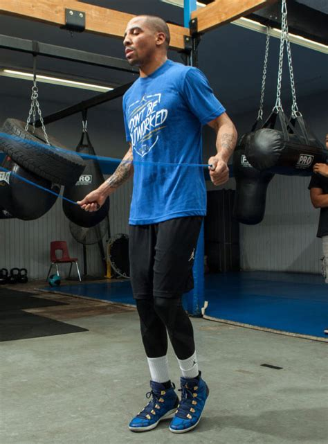 andre ward boxing shoes andre ward trains for tonight s fight in air 28 se