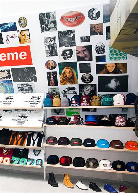 supreme clothing shop best 25 supreme store ideas on retail
