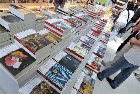 editrici napoli al via salone libro per scrittori esordienti