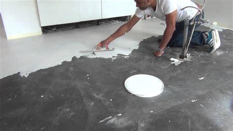 Peinture Effet Beton Ciré 3620 by B 233 Ton Cir 233 R 233 Alisation Sur Sol B 233 Ton Teinte Blanche