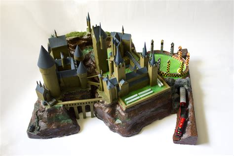 Hogwarts Castle Papercraft - hogwarts castle by philmagorian on deviantart
