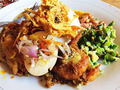 Nasi Ayam Ibu Oki Tote tempat makan halal di bali bali getaway indonesia