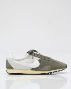 Shoe Paying Tribute To The Object Of My Obsession Second City Style Fashion by 1000 Images About Nike On Nike Id Nike Air