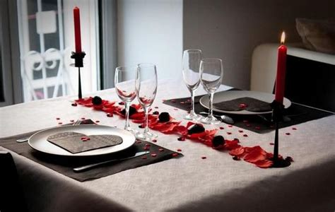 d馗oration de plats cuisin駸 deco valentin table