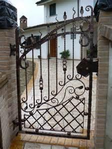 gabbia d oro tiziano ferro cancello in ferro battuto comprare cancello in ferro