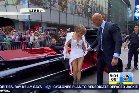 Arriving In Style Lady Gaga Chose A Vintage Cadillac To Take Her To | lady gaga pulls out all the stops with new hair and four