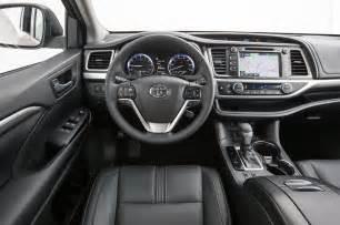 Toyota Highlander Interior Photos Toyota Highlander Se 2017 Motor Trend Suv Of The Year