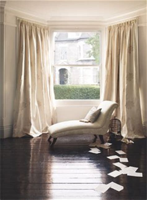 window chaise lounge i would love a bay window and this chaise lounge in front