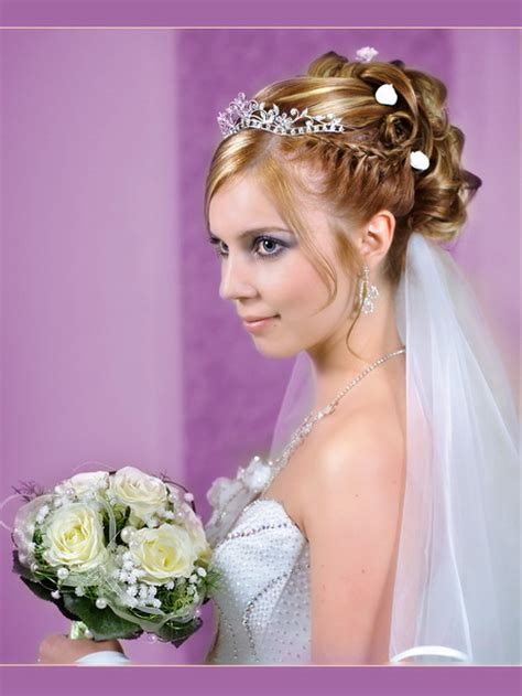 Brautfrisuren Mit Diadem by Brautfrisuren Mit Schleier Und Diadem