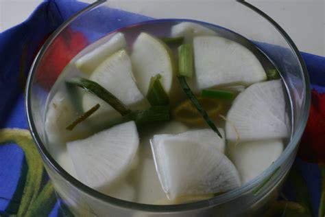 korean white radish kimchi dongchimi recipe