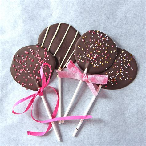 Handmade Chocolate Lollipops - chocolate lollipops baking mad