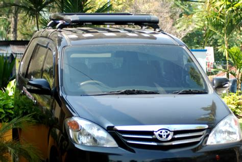 Roof Rack Cross Bar Model Jepit Roof Rail Toyota Kijang Innova 2010 baru paket promo roofrack crossbar sportrack mobil