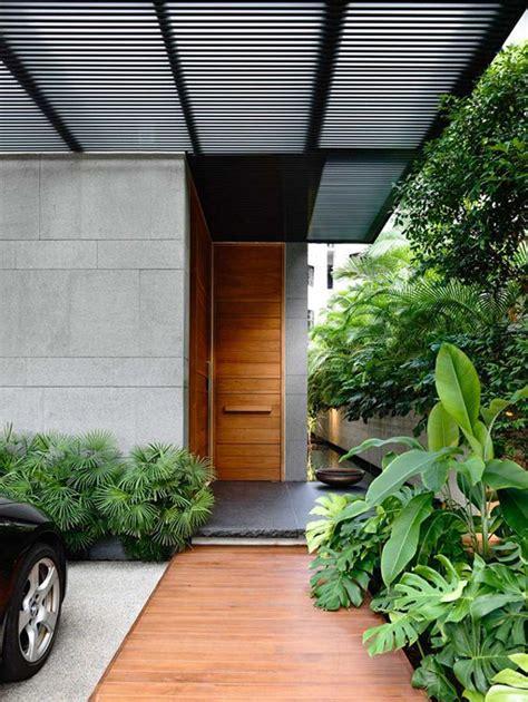 25 modern front door with wood accents decorazilla minimalist small front door designs