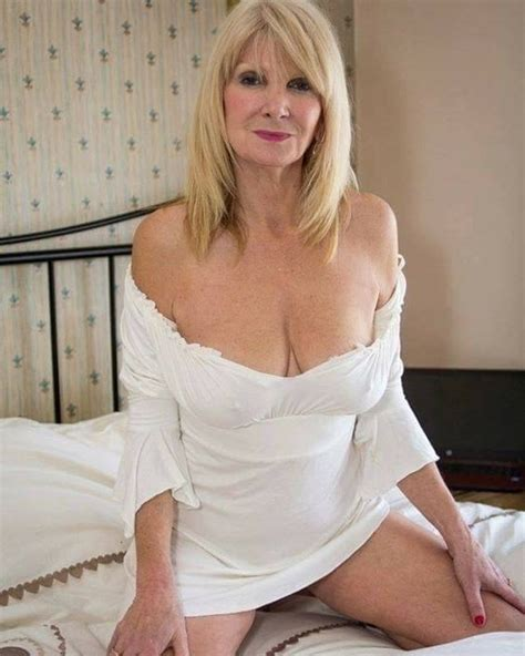 sexy older women pin by roro on mujeres maduras sexys pinterest