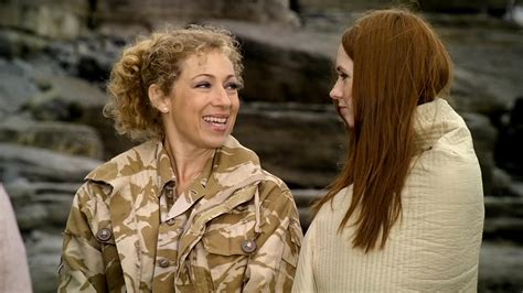 karen gillan songs look alex kingston and karen gillan reunited