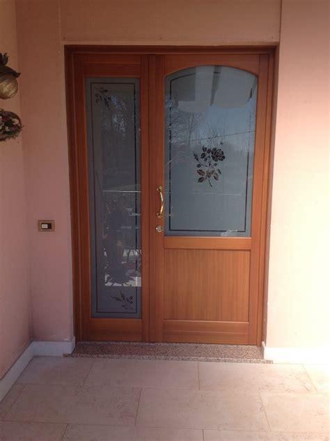 portoncino ingresso con vetro portoncino d ingresso in legno con inserti in vetro