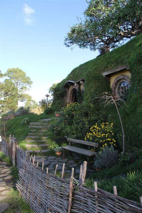 hobbit house new zealand hobbit holes pinterest 114 best images about hobbit houses on pinterest dome