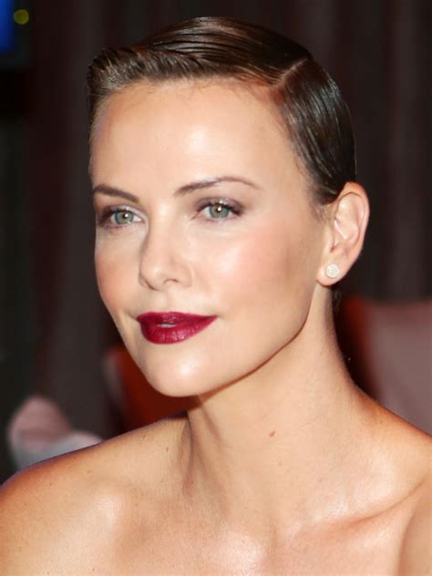 Pictures : Charlize Theron Hair: Styles and Colors Through