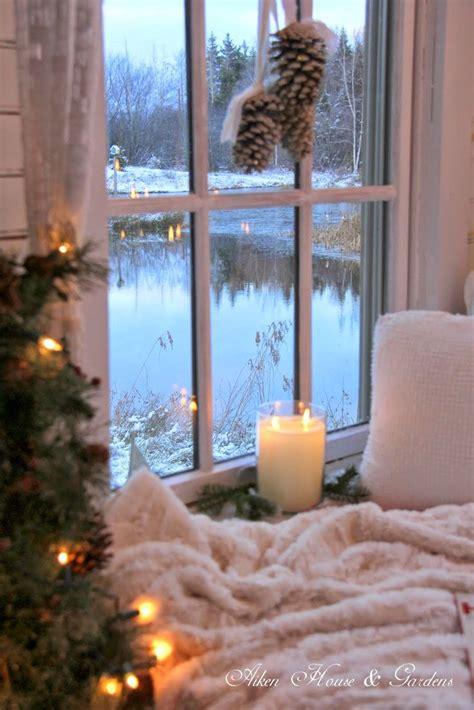 Awesome Window Sill Christmas Lights #2: Ebdaab2315a9d02b81faadab13b83392--christmas-house-lights-christmas-windows.jpg